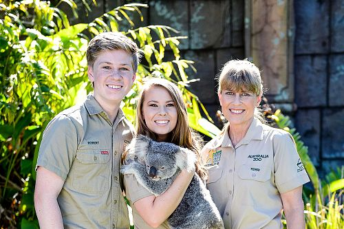 Australia Zoo - Irwin Family with Koala