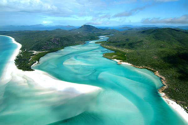 Great Barrier Reef - Where to Stay - Whitsundays Whitehaven Beach
