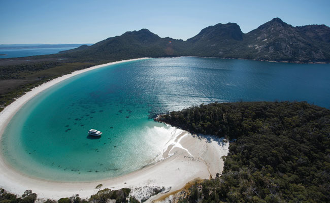 Cruise on Wineglass Bay - Tourism Tasmania - Australia Island Travel