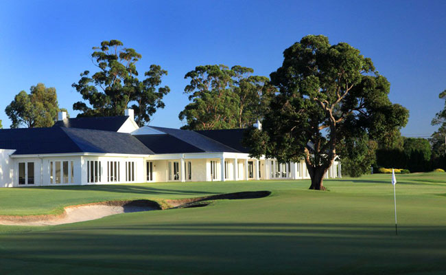 Clubhouse at Kingston Country Club - Kingston Country Club - Golf Travel in New Zealand and Australia