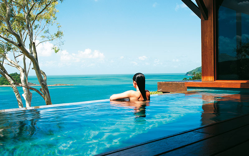 Plunge pool at qualia resort - Hamilton Island beach resorts