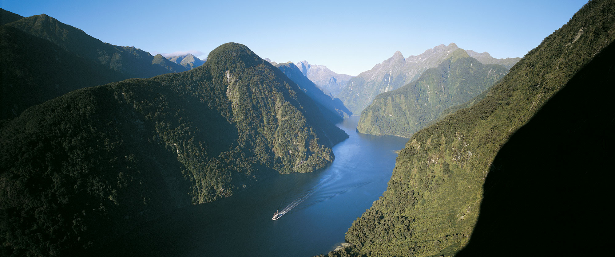 New Zealand Beach Resorts Package - Doubtful Sound