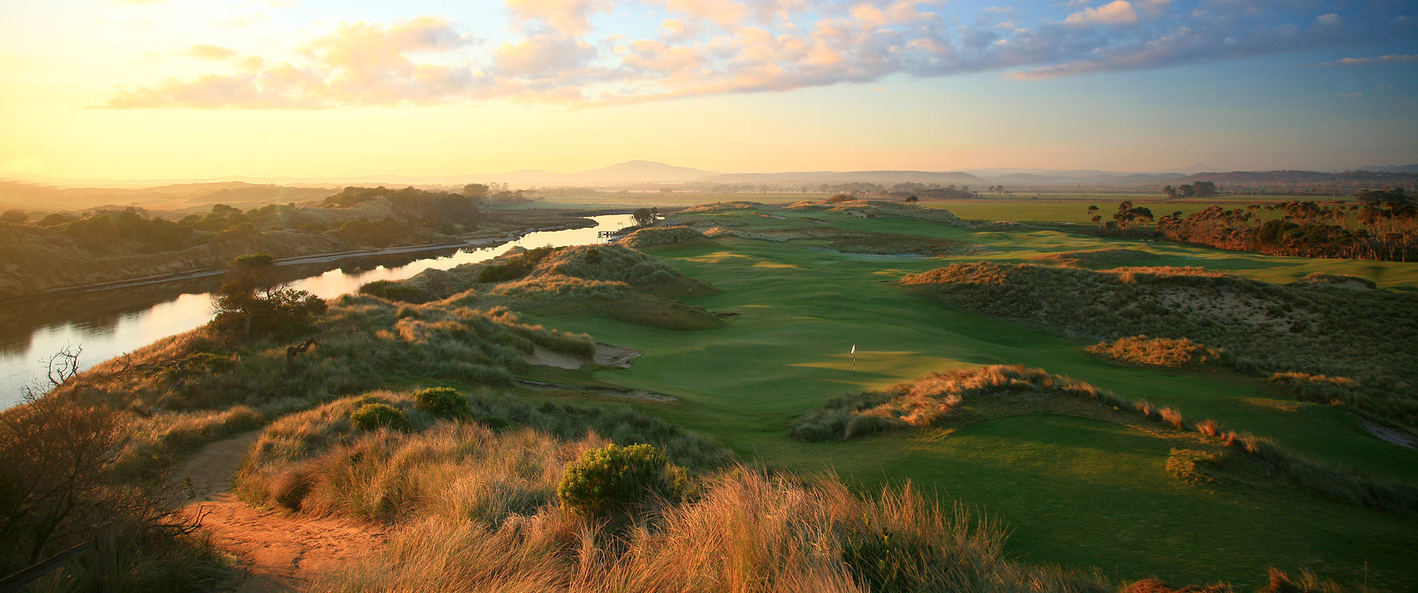 Barnbougle Dunes - Getaways Australia: Great Golf Courses of Australia - Top 100 Golf Courses - Golf vacation specialists Australia