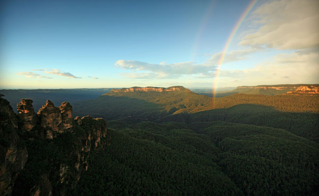 Three Sisters Valley and Rainbow - Tourism Australia - Best Places to Visit in Australia