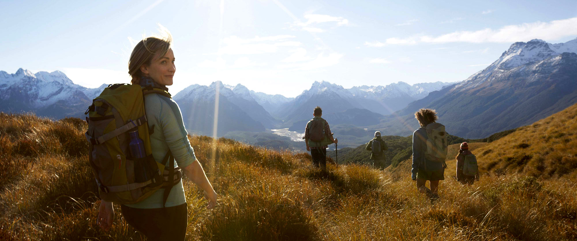 experience-outdoor-hero-1-new-zealand-hiking-queenstown-2000x837.jpg
