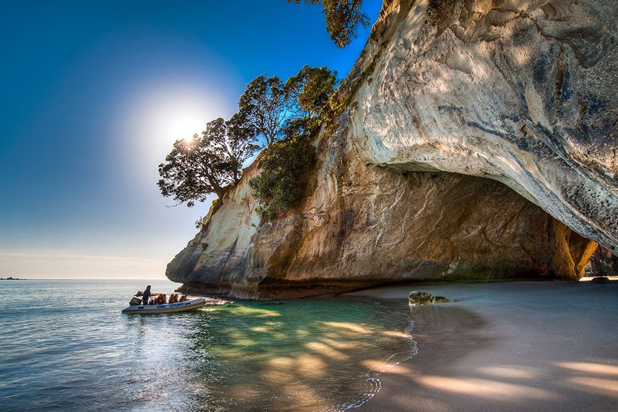 Kayaking at Cathedral Cove - Book Your Trip to New Zealand - New Zealand Travel Agency