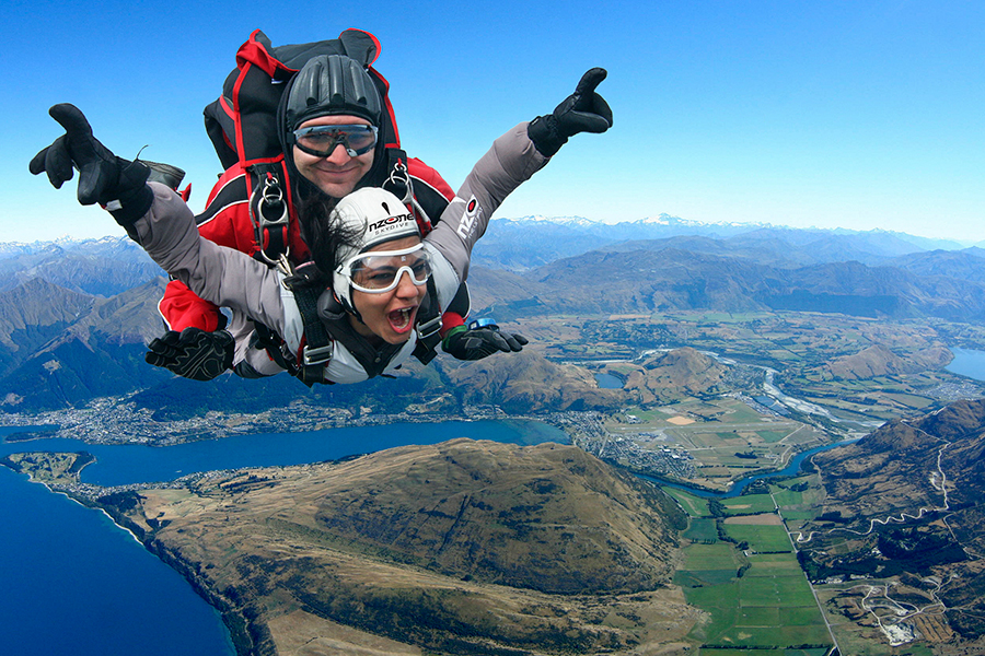 sm-10-aug-mon-skydiving-over-Queenstown-900x600