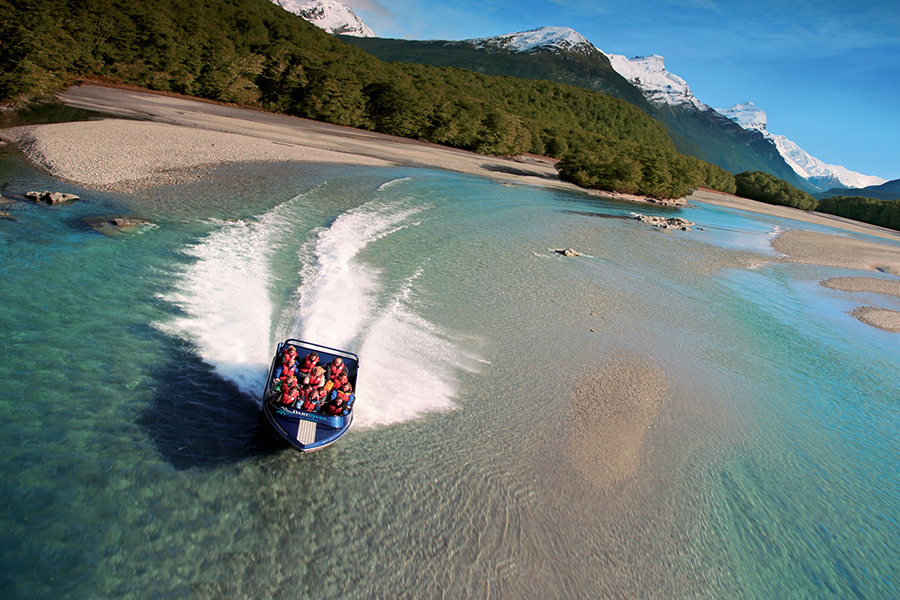sm-10-aug-wed-jet-boating-900x600