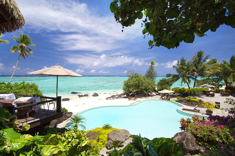 sm-28-sep-thurs-pacific-resort-aitutaki-poolside-900x600