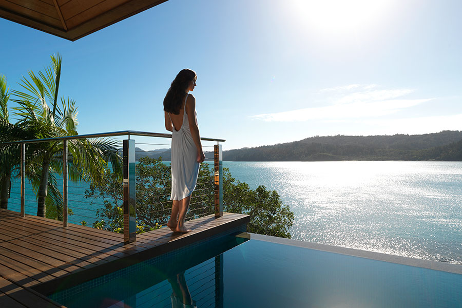 sm-18-jan-sat-qualia-windward-pavilion-pool-view-woman-hamilton-island-900x600