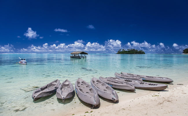 Kayaks on the lagoon - Pacific Resort Rarotonga - Travel South Pacific Beaches
