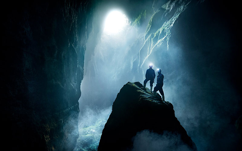 Enjoy abseiling and blackwater rafting in New Zealand's Waitomo Caves