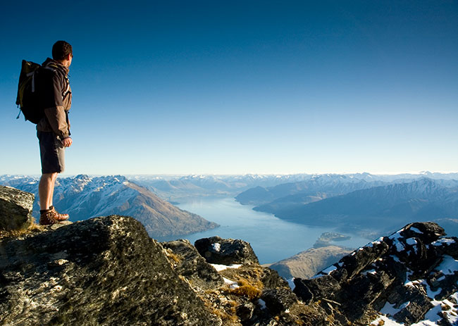 Hiker-above-Wakatipu-Basin-good-hero-dh