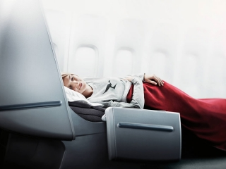 Qantas Business Class Lie-Flat Beds - Book Your Trip to Australia